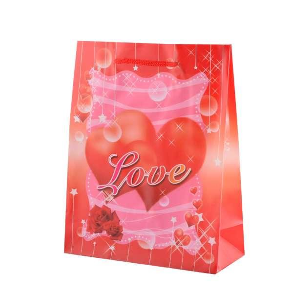 Пакет подарунковий 23х18х7,5 см з серцем LOVE червоний
