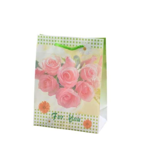 Пакет подарунковий 16х12х6 см в клітинку зелену з трояндами білий
