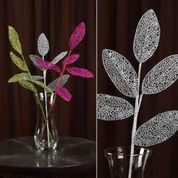 Искусственная веточка 63см с ажурными блестящими листьями серебристая