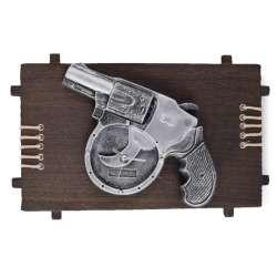 Годинники настінні на дерев'яній основі Револьвер